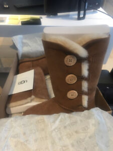 UGG Boots Bailey Button Triplet Brand New!!!