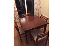 Extendable Dining Room Table with 5 chairs