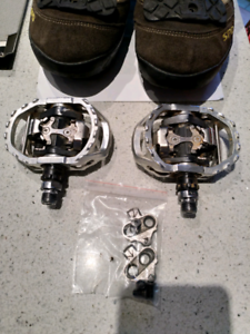 Shimano bike pedals and cleats