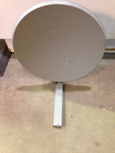 FREE Satellite Dish - great for movie prop!!