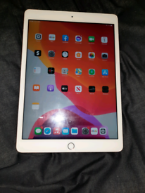 Apple IPad 7th gen 128gb WiFi and 4G in gold