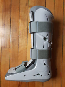 FP Walker Aircast Size Small