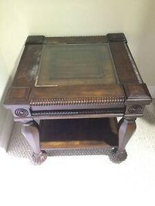 Help wanted : painter for the tables that are scratched  London Ontario image 1