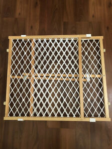 Mesh Baby Gate - free delivery in Kitchener/Waterloo
