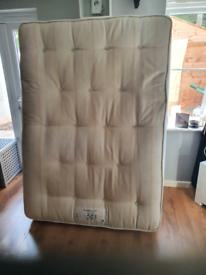 Double mattress 4ft6