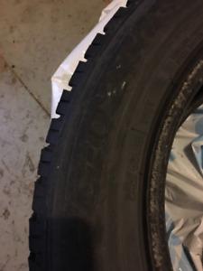 Pneus Hiver - Winter Tires 245-60-18 Toyo 8-9/32