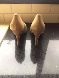 Cole Haan/Nike gloss shiny heels like new!