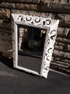 SHABBY CHIC VINTAGE HAND CARVED FRAME AND MIRROR