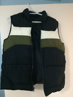 Old Navy Puffy Vest Size XL, size 10-12 youth