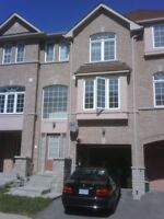 LARGE ROOMS FOR RENTS NEAR SHERIDAN COLLEGE BRAMPTON - MAY 01