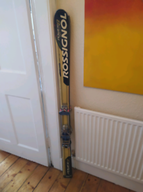 2 Pairs of Second hand skis