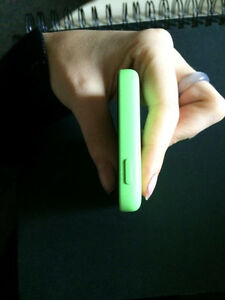 GREEN IPHONE 5C price lowered! Great condition! Kitchener / Waterloo Kitchener Area image 4