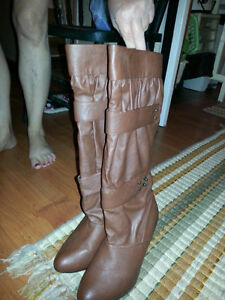 brown heel boots casual/dress style Windsor Region Ontario image 1