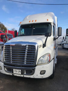 Freightliner Cascadia Tractor  2014 Model on Sale