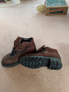 Thinsulate winter boots. Bottes d'hiver thinsulate.