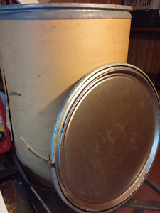 Heavy Duty 55 Gallon Cardboard Barrel with metal bottom and lid