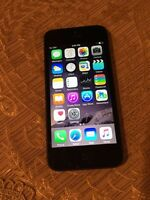 iPhone 5. 16 Gbps black Rogers mint