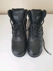 Brand New - Magnum Boots - Size 6