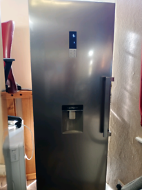 Beautiful tall fridge almost new in fantastic condition