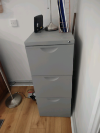 Filing cabinet 3 drawers £20