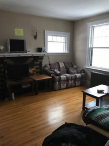 LOVELY 3 BEDROOM APARTMENT CENTRAL SOUTH END HALIFAX
