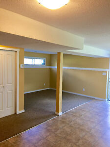 Clean spacious 1 bedroom available Aug 1st on quiet street