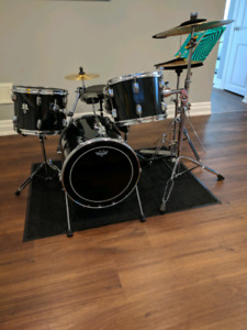 """Drum set/kit with 16"""" kick by CB"""