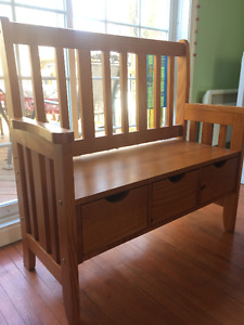 Entrance bench with 3 drawers/Banc avec 3 tiroirs