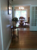 FULLY FURNISHED BUNGALOW NORTH SARNIA AVAILABLE OCT-1