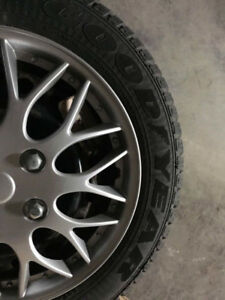 Goodyear Ultra Grip 15 pouces/inches