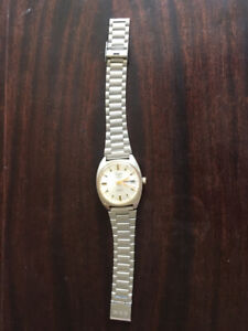 Vintage and  brand new watches ,  ring for sale