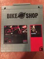 Flick  Trix Bike Shop and Case - Finger BMX-