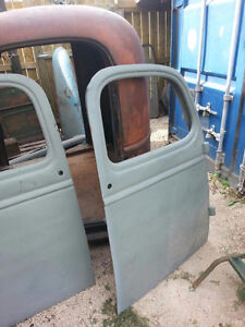 1946 Chevy truck cab, hood and front fenders