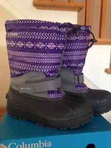 Columbia girl winter boots size 4 Gatineau Ottawa / Gatineau Area image 3