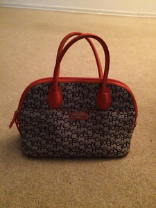 """Selling a """"Kenneth Cole Reaction"""" Purse"""