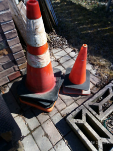 Many pylons for sale$30 all