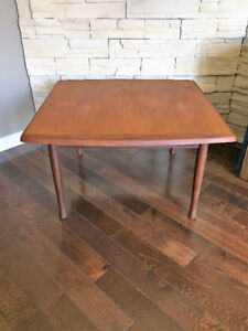 Table a Cafe en Noyer ** RS Montreal ** Walnut Coffee Table