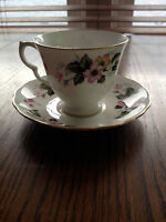 Bone China Teacup & Saucer Sets- Royal Albert london england