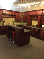 BEAUTIFUL SHOWROOM KITCHEN   WITH ISLAND $6995