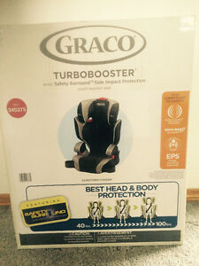 Graco Booster Seat & 14-piece glass storage set - Brand New