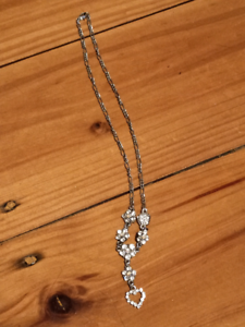 Necklace. Flower and crystal Warradale Marion Area Preview