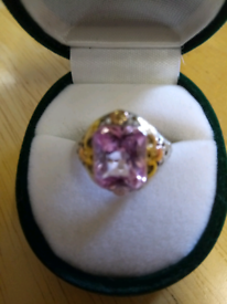 LADIES VINTAGE 1970'S SILVER AND GOLD RING INLAID WITH AMETHYST STONE