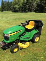 John Deere X304 All-Wheel Turn Lawn Tractor
