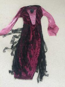 Vampiress and Cat costume London Ontario image 2