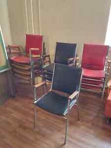 Chaise en cuirette empilable Québec City Québec image 1