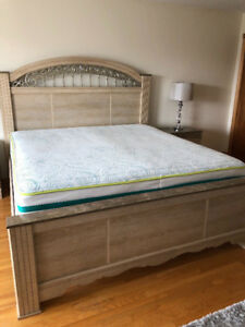 King Bed+ Mattress +Box, only $300