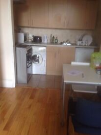 A lovely 2 Bedroom Modern Flat in Shepherds Bush Green Zone 2.