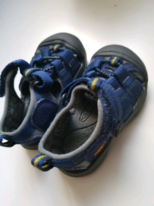 Keen's infant shoes