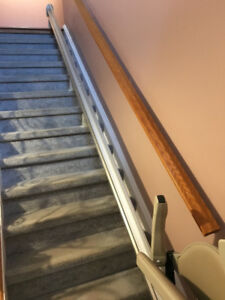 Stair Lift for Straight Stairs Gently Used Excellent condition