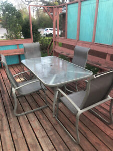 5 peice patio dining set
